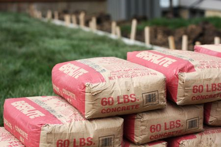 cement bags stacked450x300